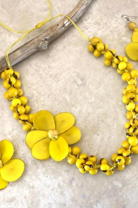 Yellow Tagua Necklace and Earrings, Acai Seeds Necklace, Summer Necklace, Vegan Necklace, Flower Necklace, Beach Necklace, Statement