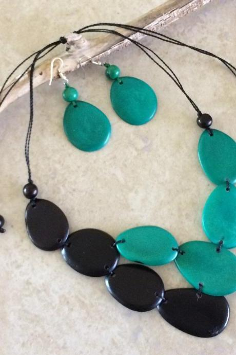Bicolor Tagua Nut Statement Necklace and Earrings Set, Black Necklace, Jade Necklace, Two Strand Necklace, Two Layer Necklace, Chunky Neck