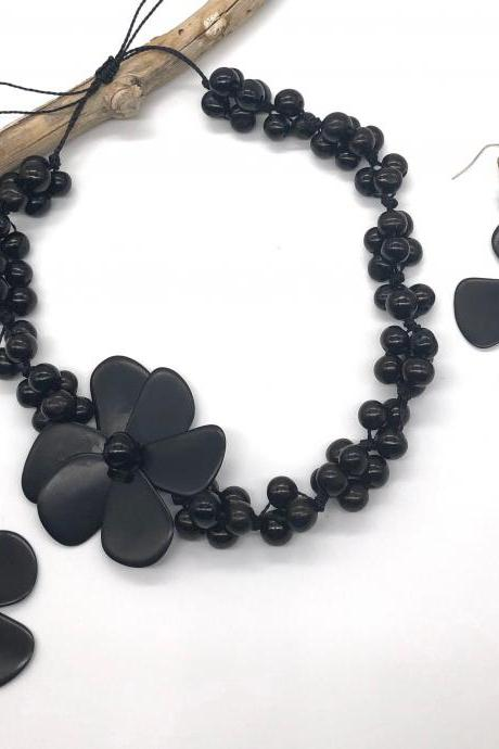 Black Tagua Necklace and Earrings, Acai Seeds Necklace, Summer Necklace, Vegan Necklace, Flower Necklace, Beach Necklace, Statement
